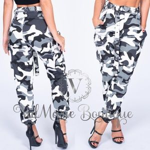 LAST PAIR!!! Stretchy Camo Cargo Pants